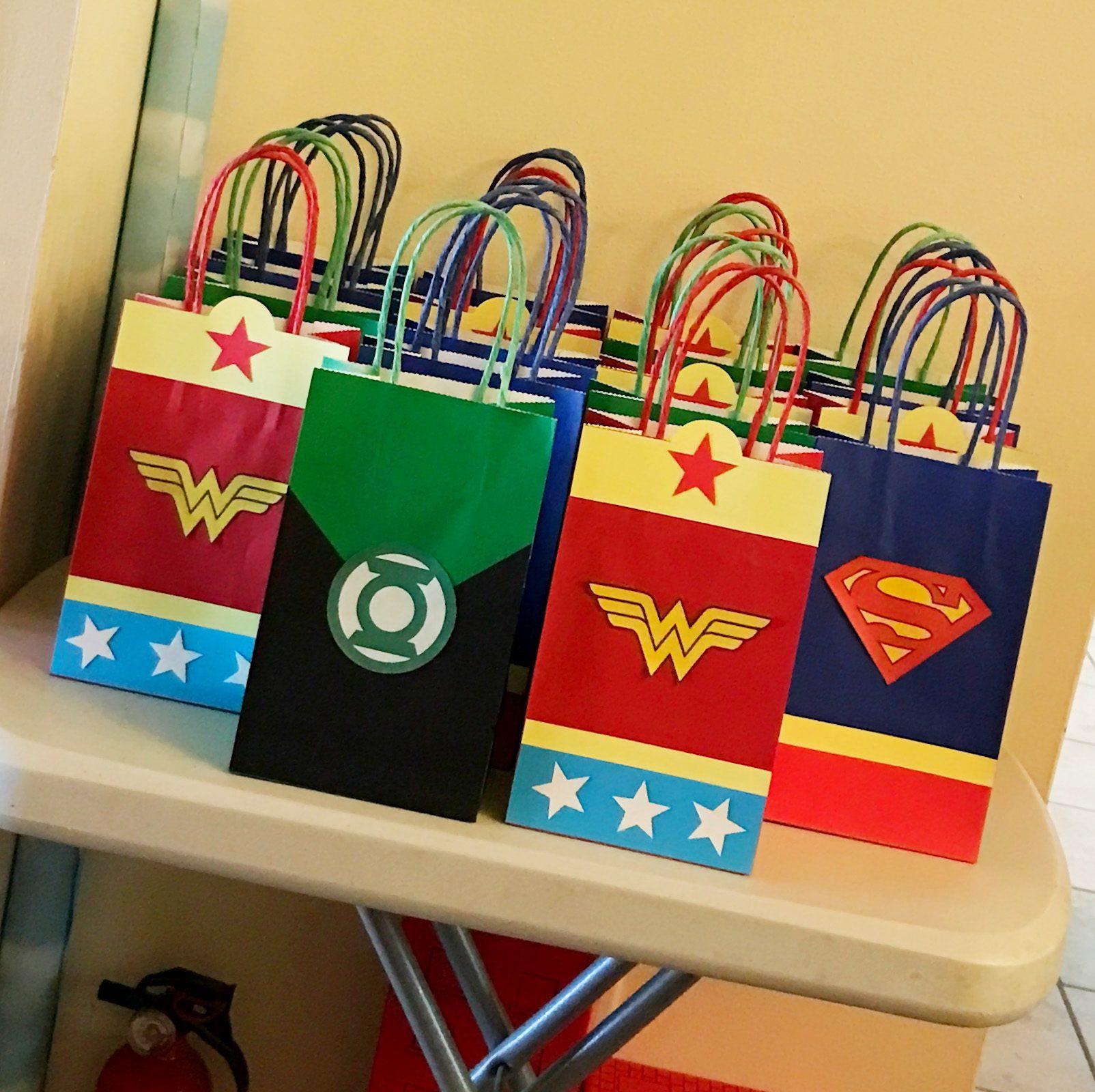 11 Handmade Party Favor Bag Designs