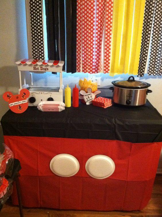 Mickey Mouse Hot Dog Bar